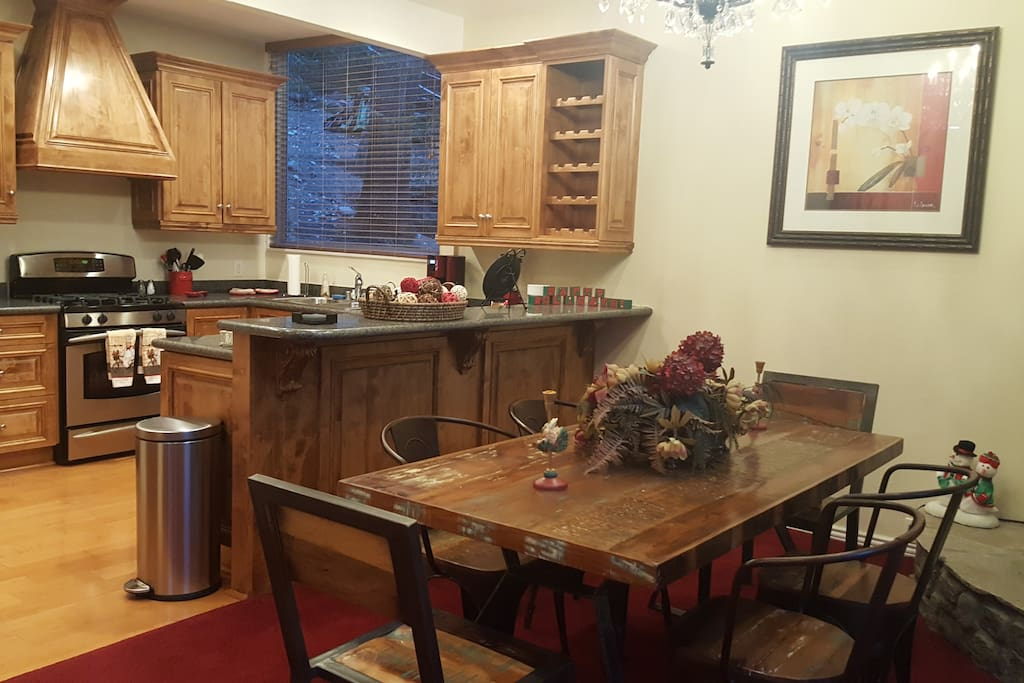 Fantastic kitchen and dining area