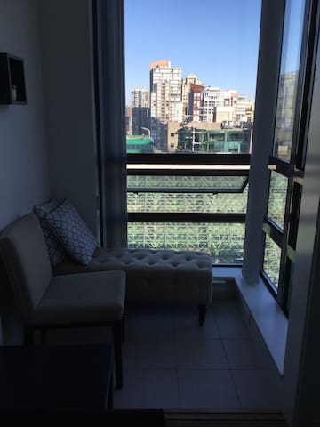 Central downtown Rustic Condo!!! Stunning view