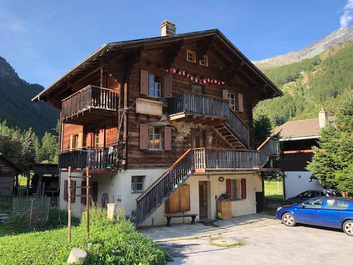 Charming duplex in a Swiss Chalet
