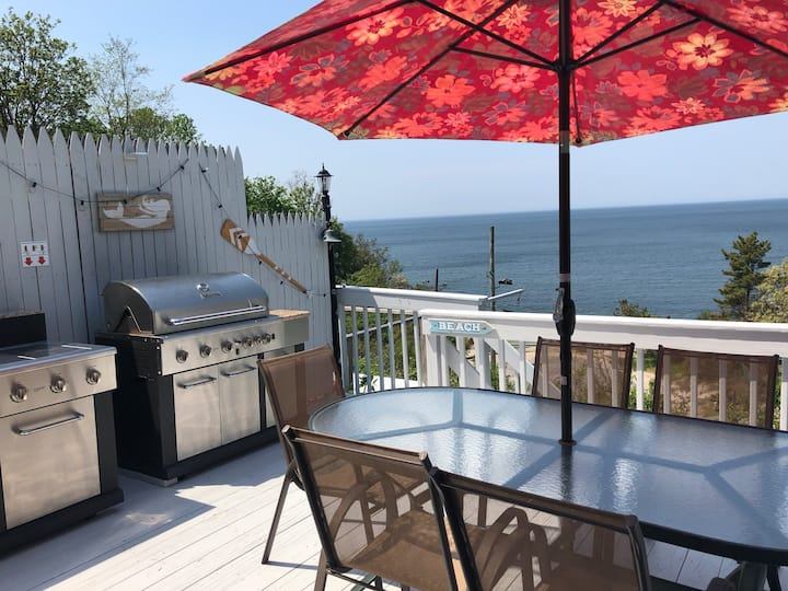 Monthly Rentals: East End Retreat - Steps to Beach