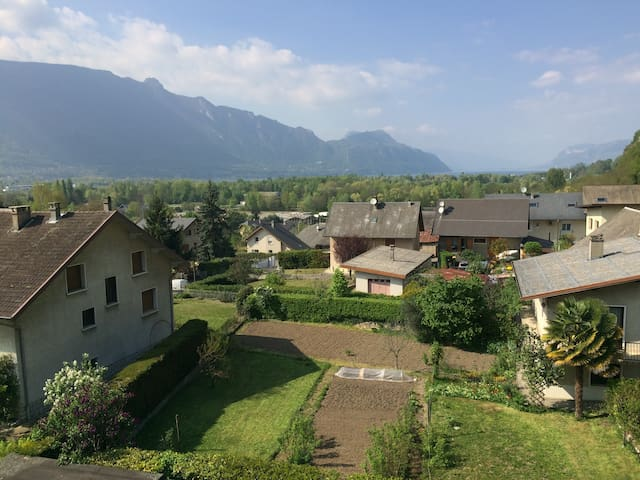 "Simple appartement, calm 5 min of ""lac du bourget"" - Voglans - Apartamento"