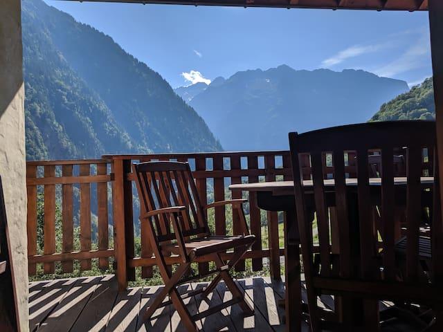 Panoramic mountain 7 bed apartment, 2 Alpes/Venosc