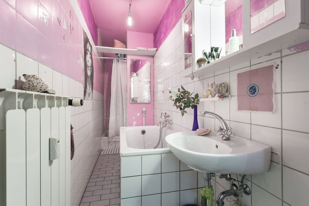 pink and purple bathroom