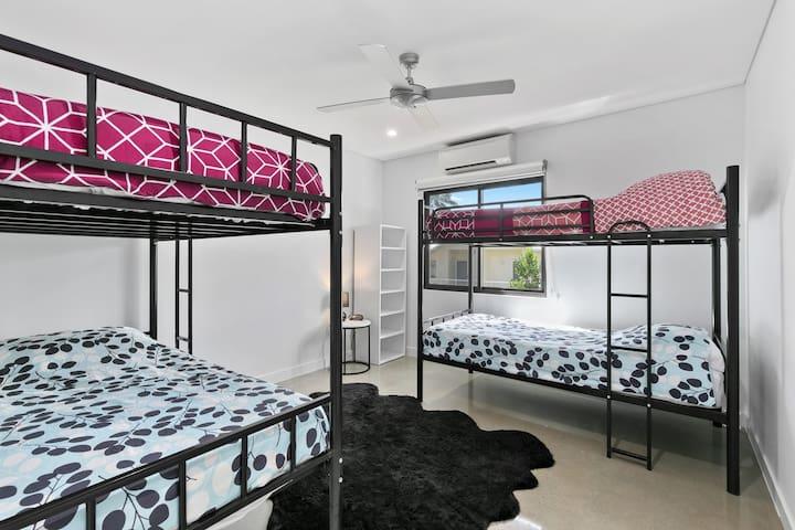 Bunk Room, 4 Single Beds