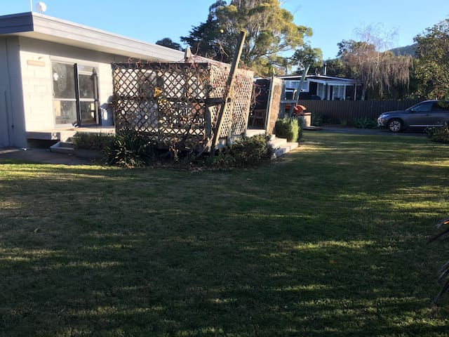 Cottage  5 minutes walk from the beach