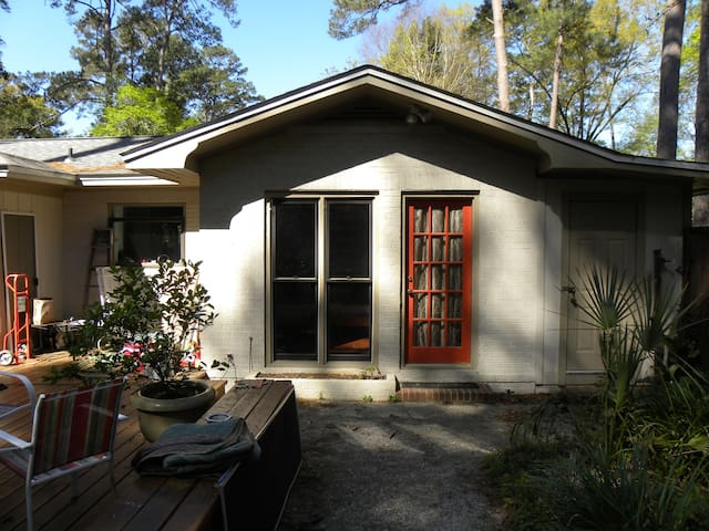 Private entrance in-law suite in Midtown/Betton - Tallahassee - Guesthouse