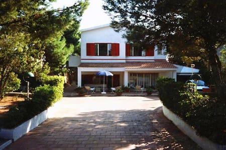 Villa sul mare a Marina di Lizzano - Marina di Lizzano - Huvila