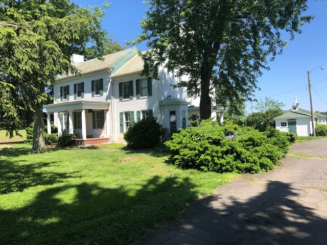 Pratt Farm Lodge