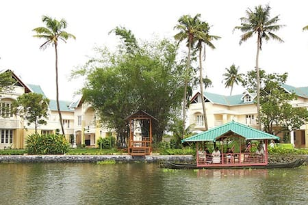 Ayurveda Therapy at Bamboo Lagoon - Vila
