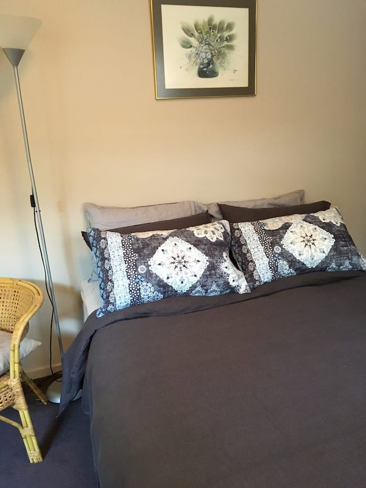 One Bedroom with En-suite, located Bayside