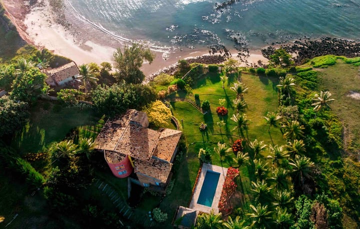 Paraíso dos Golfinhos-Casa espetacular à beira mar