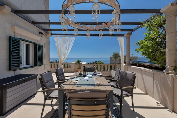 ctma255 - Holiday house with a private pool, pets allowed, 6+2 persons, with an amazing view in Makarska