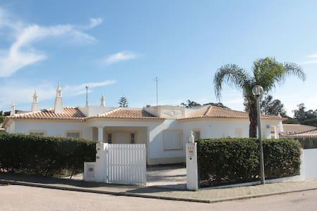 Casa Na Quinta da Balaia - Casa