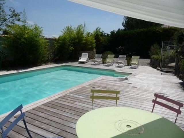 Gite indepedant avec Piscine en Provence