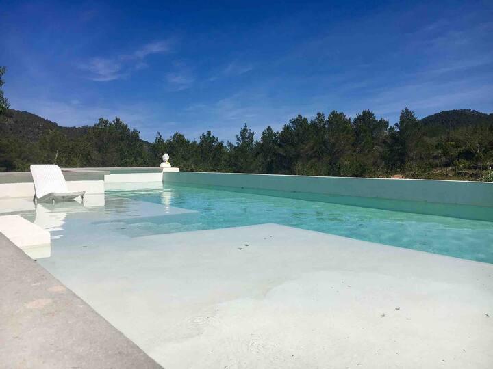 Apart con terraza y baño privado, piscina
