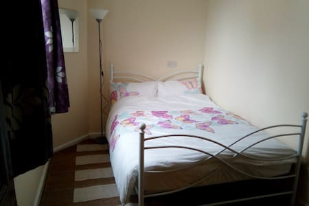 Self contained flat - Colwyn Bay
