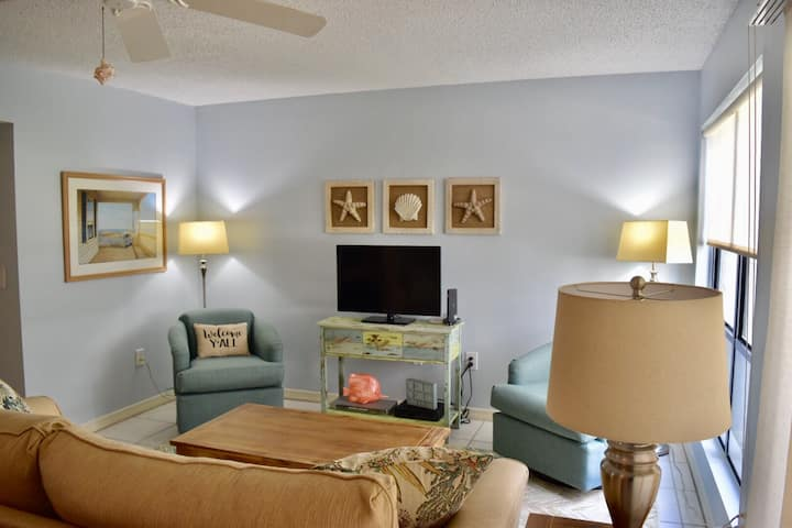 SIESTA KEY GROUND FLOOR CONDO ON TROLLEY LINE