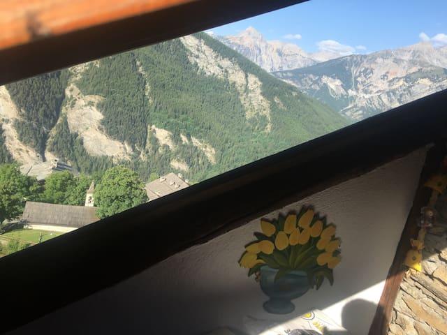 In località Gleise appartamento in baita con vista - Bardonecchia - Cabaña