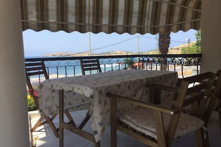 Nice summer house with sea view - Foça - Wohnung