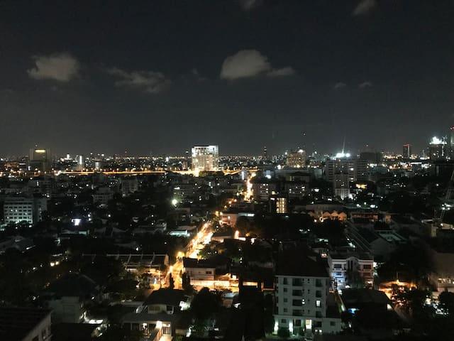 High-Floor Apt Beautiful view at Ari 4 mins to BTS