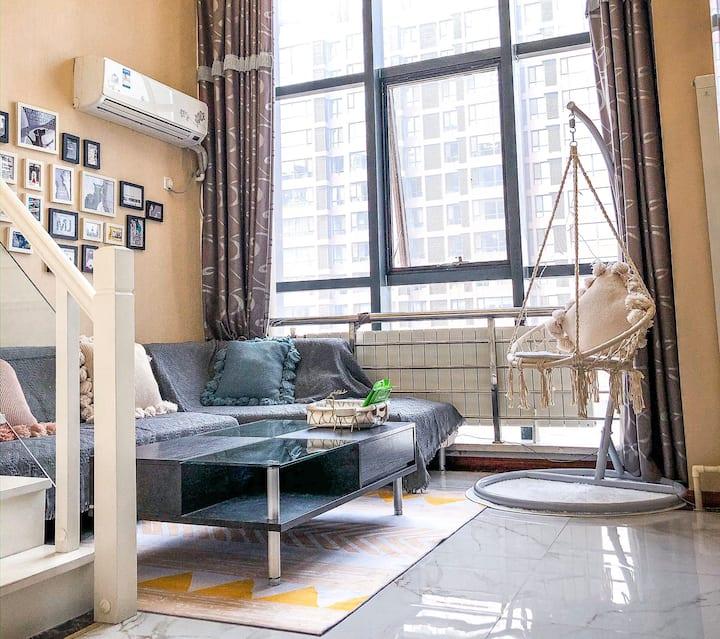 【37度】5号公寓loft复式公寓 亿隆国际 近火车站  近渤大 万达广场 锦州夜市 落地窗 河景房