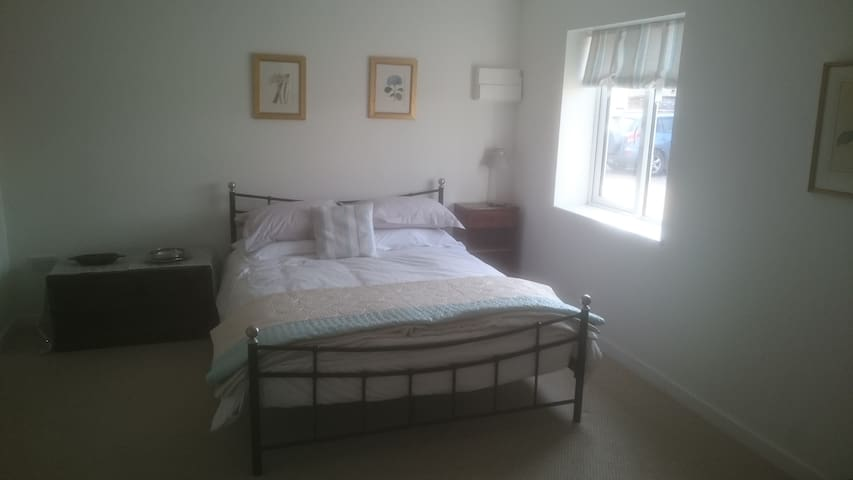 Double En Suite Sidings Cottage