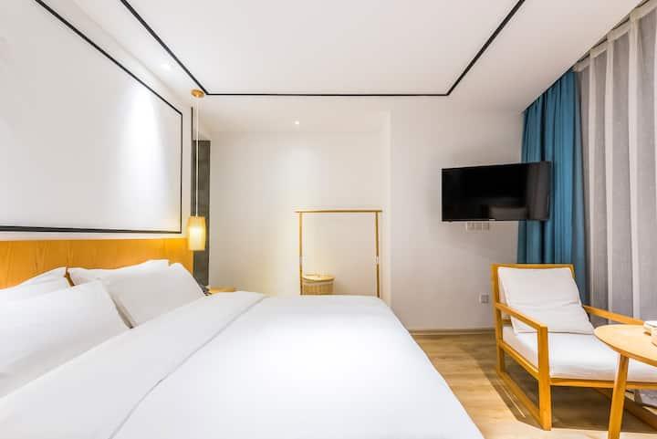 蝉乐精品度假酒店-祫衣观景大床房(1)