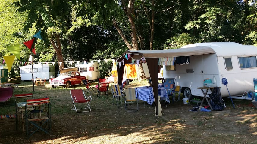 BORD RIVIERE FABULEUX CAMPING RETRO LA GAMBIONNE - Goudargues