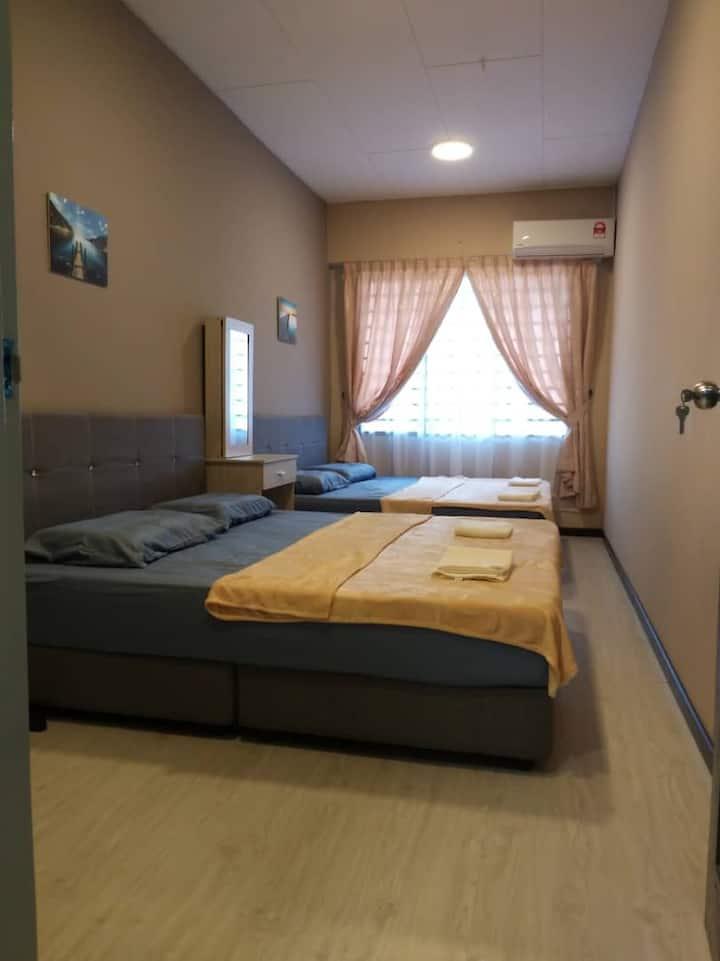 Sabah Putatan Cozy Stay (Room A) 沙巴近机场/免费上网/4人