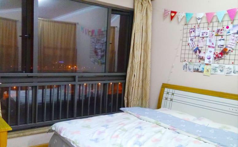 这是卧室,风光挺好!