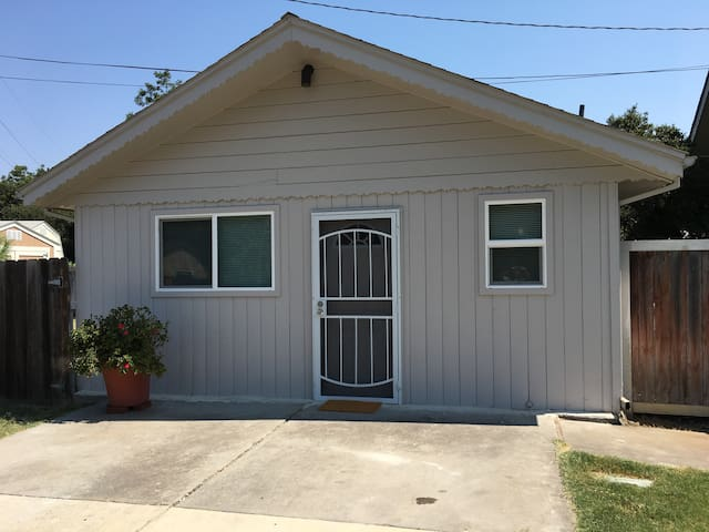 Newly Built Country Club Cottage