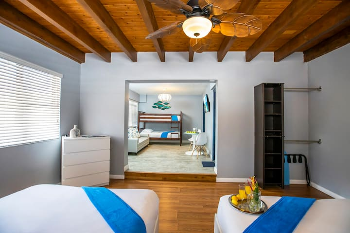 The More The Merrier - Accommodation with a Queen Bed, Bunk Beds, Kitchen, Just Steps from the Beach