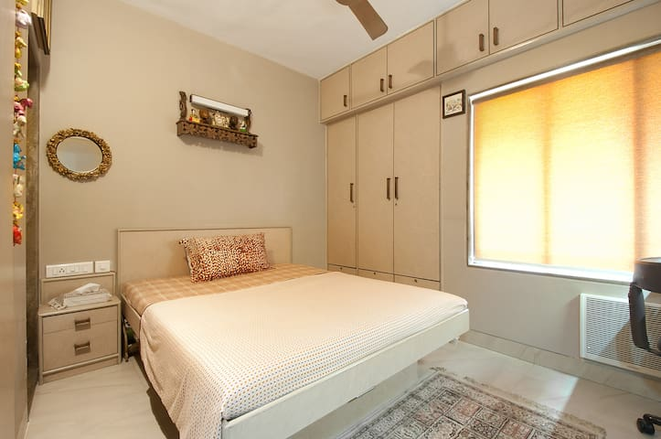 ROOM FR LADIES ONLY. WITH HM MD FOOD FACILITY/WIFI