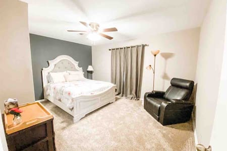 Private, Relaxing, Home in Fantastic Location!