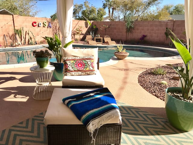 Private Poolside Room Near Old Town Scottsdale