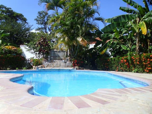 GUESTHOUSE MI REFUGIO LA BELLE CITÉ - Coronado - Casa