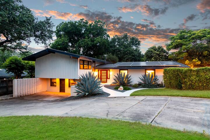 Mid Mod Luxury Home in the Heart of San Antonio