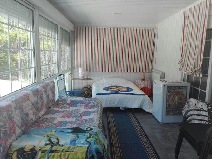 Habitacion Amplia En Bonito Chalet