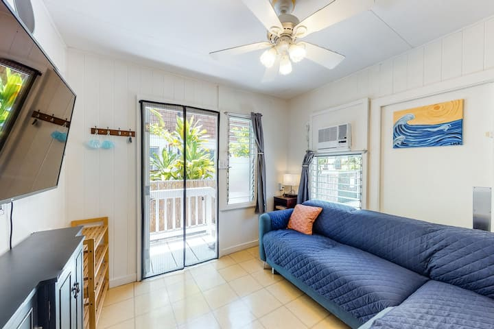 New listing! Diamond Head house w/ full kitchen, WiFi, and bedroom A/C