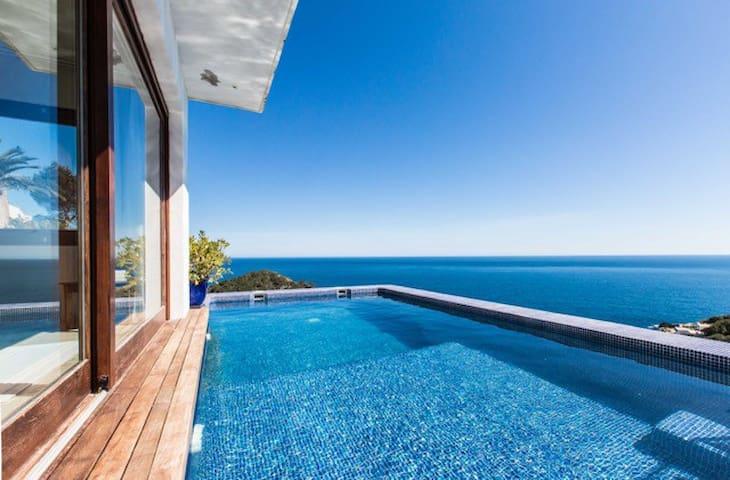 Villa Moana, ROCA LLISA, 10 min from Ibiza Town