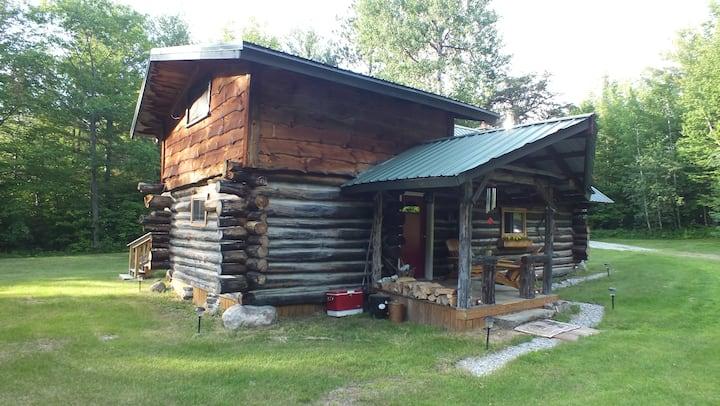 Adirondack Cozy Log Cabin