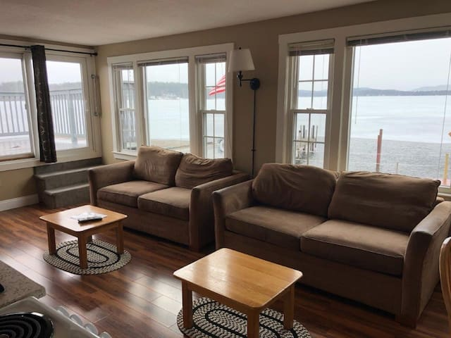 amazing condo on Lake Winnipesaukee
