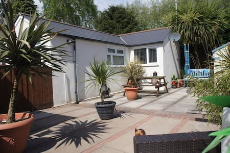 Detached, independent and cosy - one bed Bungalow