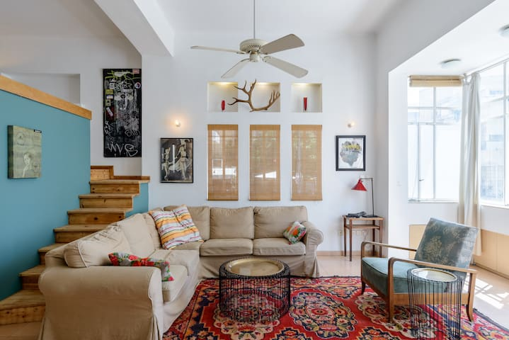 WELCOME to real Tel Aviv - central 2 bed apt