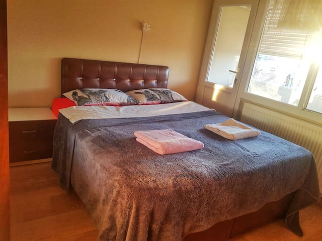 NICE DOUBLE ROOM IN KARŞİSKA/BOSTANLI