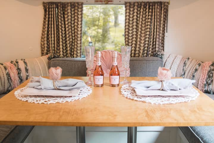 Glamping Retreat 2 mins to LAKE & 30 to Broadway!