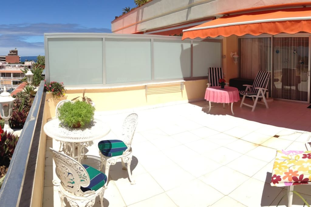 The big and sunny 35 sqm terrace