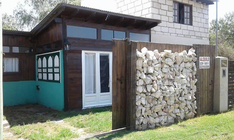 Cabaña a estrenar a cuadras del mar - Miramar - Cabin