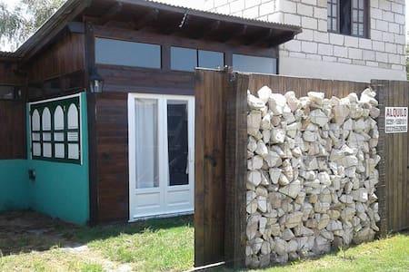 Cabaña a estrenar a cuadras del mar - Miramar - Kabin