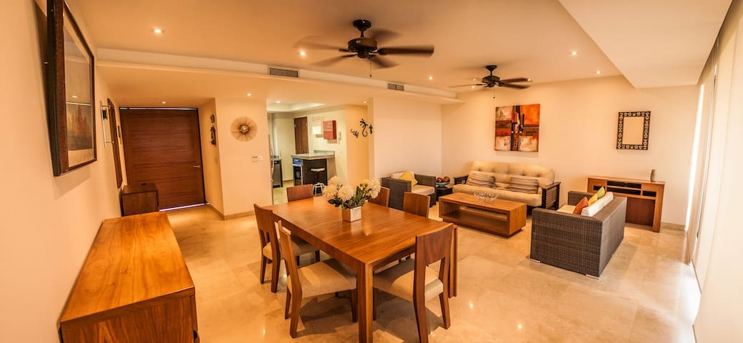 7A-1 Two bedroom condo with beach access